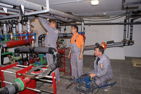 Опрессовка систем отопления и водоснабжения